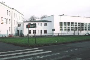 2002 Комплекс економічних шкіл